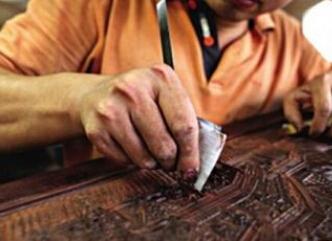 红木家具擦生漆可入木三分